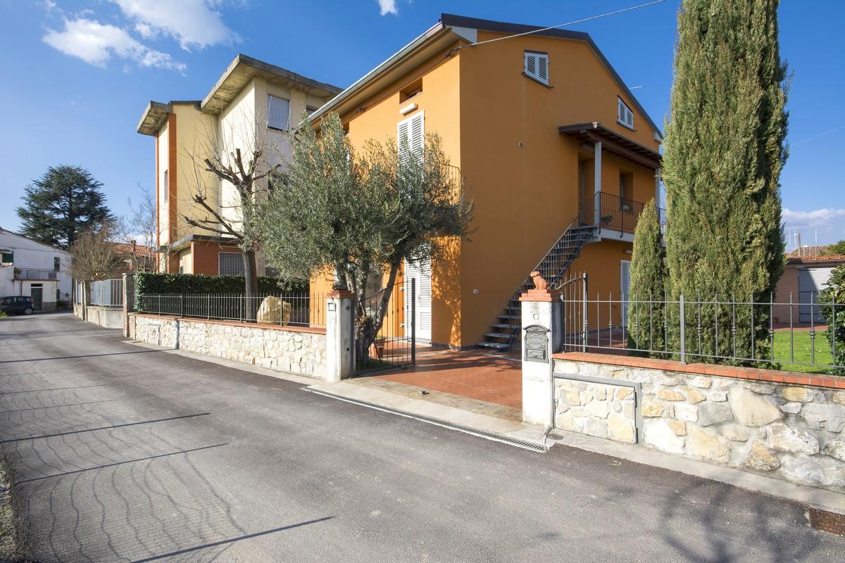 Vendita case pistoia affitto case pistoia appartamenti pistoia - Case in vendita pistoia giardino ...